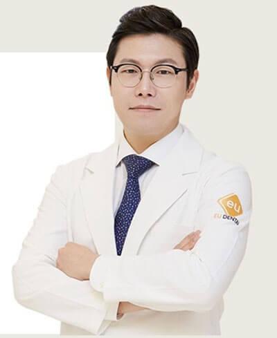 ศัลยแพทย์ Dr Kim Jung Yun EU